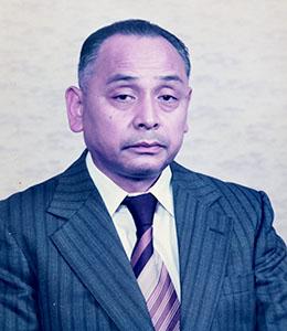 有限会社山田房屋(資本金300万円)を設立し山田政治が代表取締役に就任する。